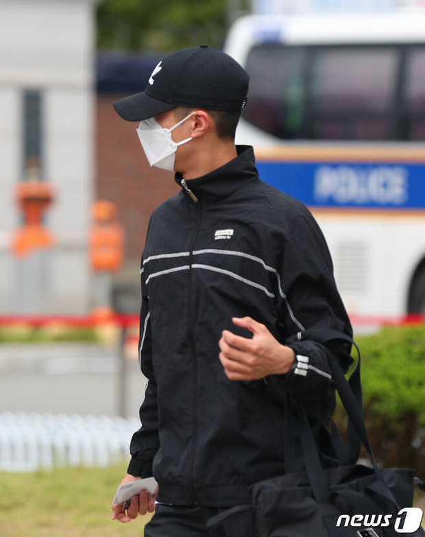 Park Bo Gum bịt kín mít, âm thầm nhập ngũ vào hôm nay (31/8)