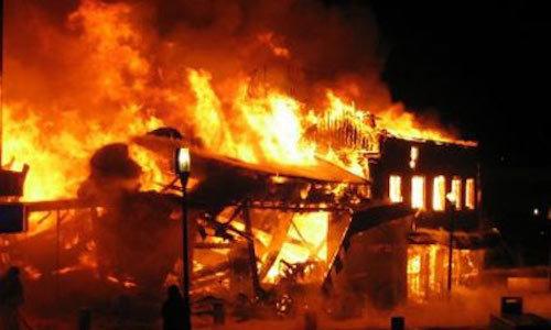 Mâu thuẫn tình ái, người phụ nữ phóng hỏa đốt cả công ty thiệt hại 5 tỷ
