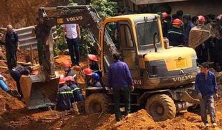 Sập công trình ở Phú Thọ, ít nhất 4 người chết, nhiều người bị vùi lấp