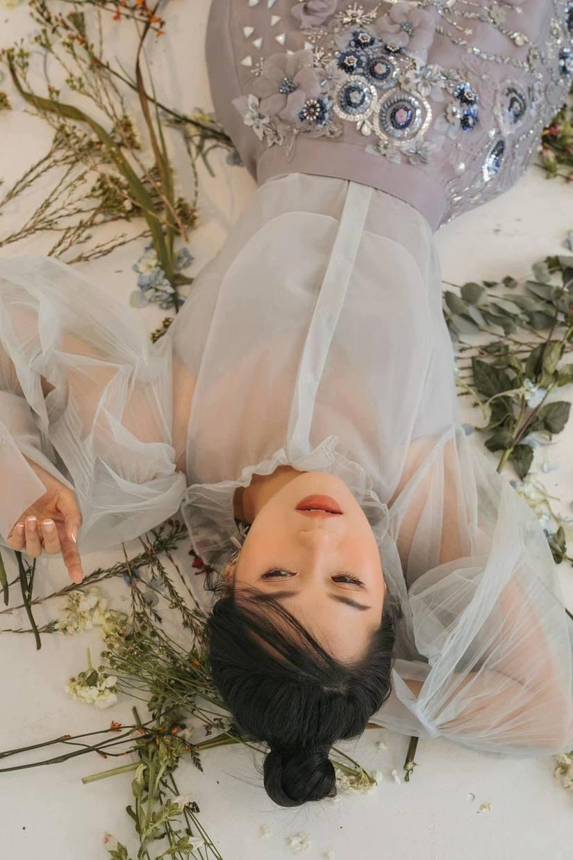 Lâm Vỹ Dạ tung bộ ảnh mới đẹp tựa nàng thơ
