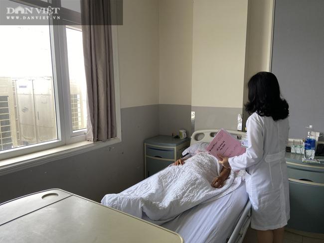 Bụng to như mang thai 30 tuần, người phụ nữ đi khám phát hiện khối u khủng