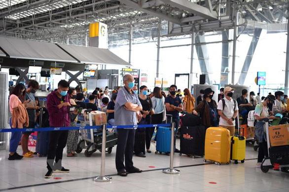 Đưa hơn 340 công dân Việt Nam từ Thái Lan về nước