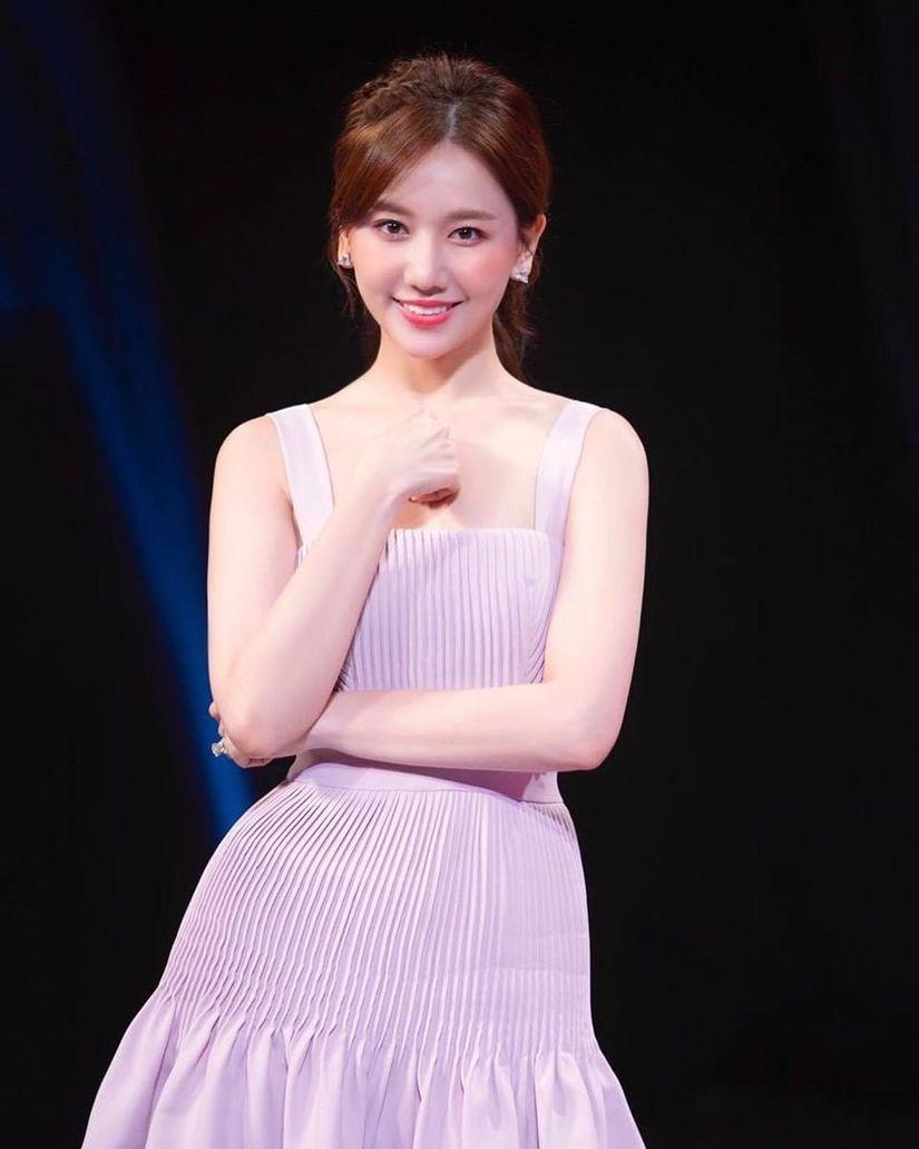 Hari Won tiết lộ đã nhận tham gia đến 13 gameshow dù chưa hết năm