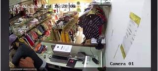 Chủ shop quần áo kể lại giây phút tên cướp khống chế, đâm nữ nhân viên