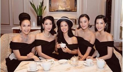Diva Hồng Nhung rạng rỡ hội ngộ bạn bè sau thời gian dài cách ly