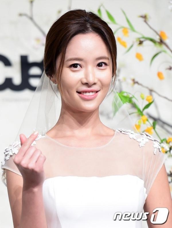 Hwang Jung Eum bất ngờ thông báo ly hồn chồng đại gia sau 4 năm chung sống