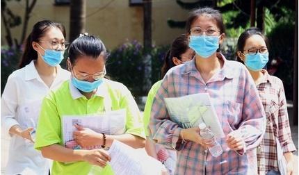 Sinh viên ĐH Công nghệ TP.HCM (HUTECH) đi học trở lại từ tuần sau