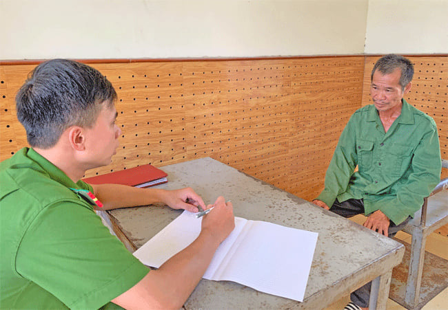 Lạng Sơn: Khởi tố vụ bố đâm con trai sau bữa nhậu rằm tháng 7