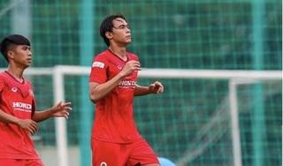 Cầu thủ Việt kiều báo tin vui với HLV Chung Hae Seong