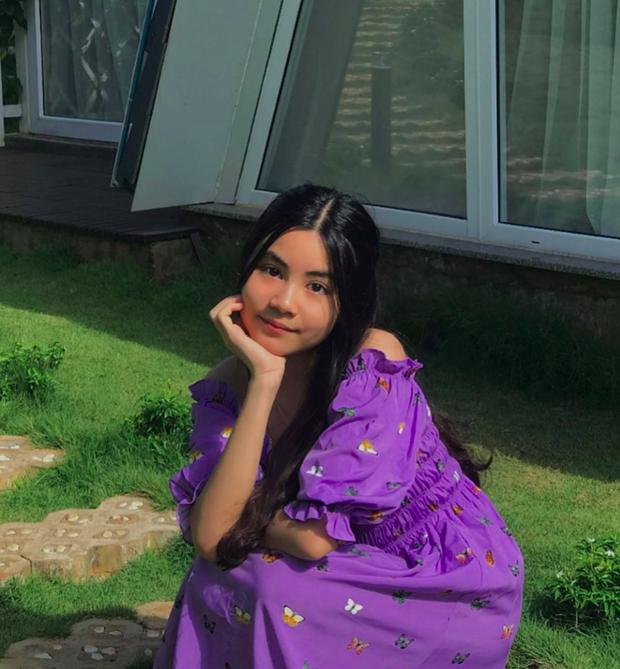 Con gái út nhà MC Quyền Linh khoe vẻ đẹp xinh xắn trong bộ ảnh mới