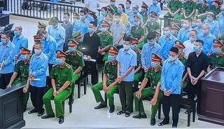 Những hình ảnh từ phiên tòa xét xử 29 bị cáo trong vụ Đồng Tâm