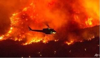 Cháy rừng khốc liệt ở California khiến hàng trăm người phải sơ tán trong đêm