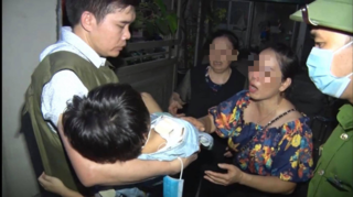 Hàng xóm nói gì về người bố giam giữ, đánh đập con gái 6 tuổi ở Bắc Ninh?