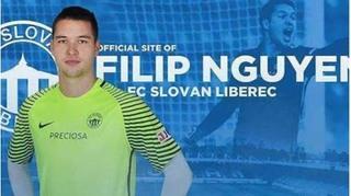 Thủ môn Filip Nguyễn sáng cửa bắt chính ở đội tuyển Séc