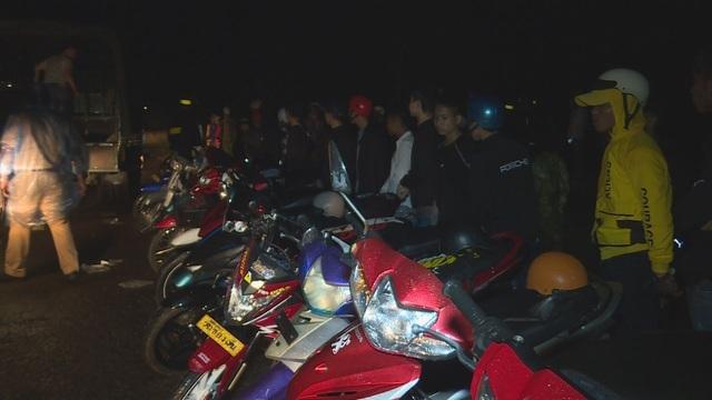 Bắt giữ hơn 150 xe máy với gần 300 học sinh đang tụ tập đua xe