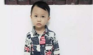 Bé trai 4 tuổi mất tích bí ẩn khi gia đình không đóng cửa cổng