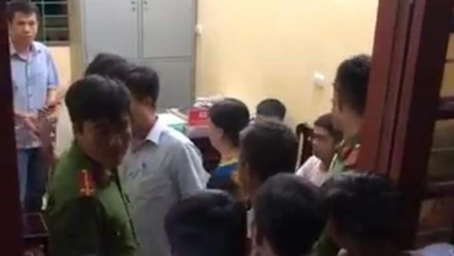 Đình chỉ công tác phó trưởng công an xã nổ súng khiến nam sinh lớp 12 trúng đạn