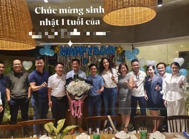 Đàm Thu Trang lần đầu lộ diện trong trang phục bó sát sau sinh