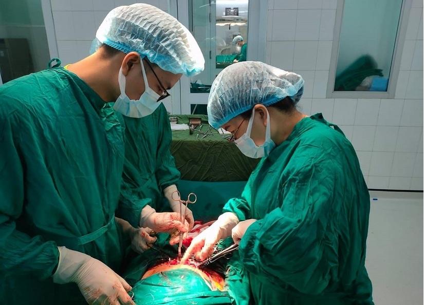 Phẫu thuật lấy thai thành công cho sản phụ có 2 tử cung hiếm gặp