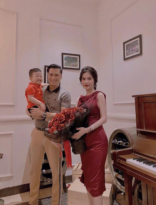 Quỳnh Nga tình tứ bên Việt Anh trong tiệc sinh nhật tuổi 32, rộ tin đồn hẹn hò