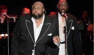 Ca sĩ Bruce Williamson qua đời sau thời gian mắc Covid-19