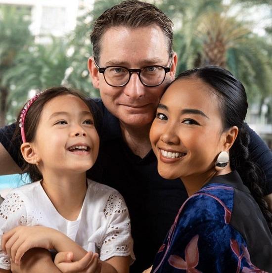 Choáng với tiền học phí khủng 500 triệu 1 năm của con gái Đoan Trang