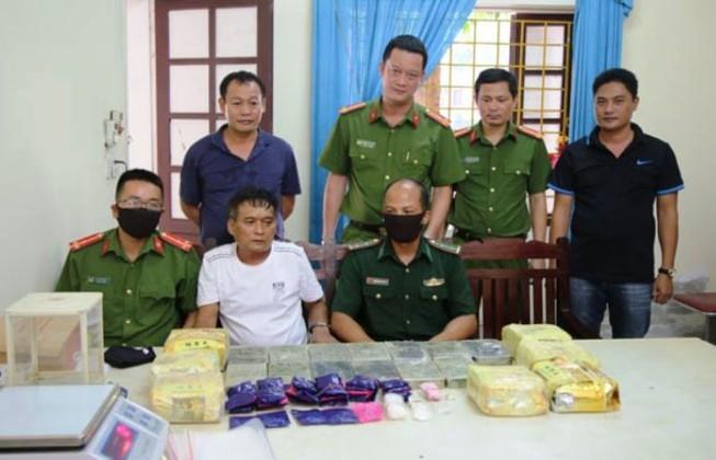 Khánh bị bắt giữ cùng tang vật ma túy