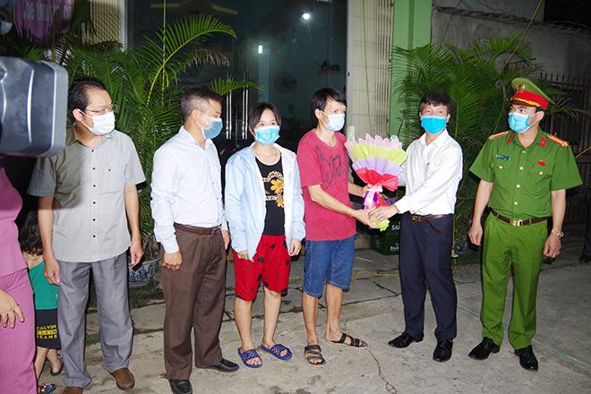 Dỡ bỏ cách ly y tế tại thôn 6, xã Nhật Tân, huyện Kim Bảng, Hà Nam