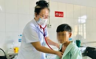 Nhờ thầy cúng chữa bệnh, bé 11 tuổi bị suy thận cấp