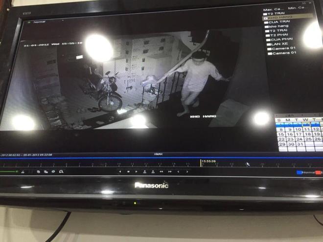 Hình ảnh tên trộm đột nhập được camera ghi lại.