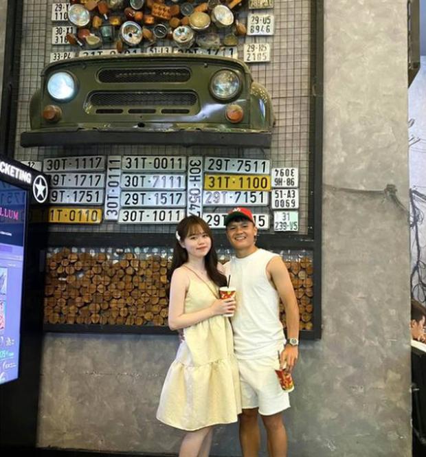 Huỳnh Anh đăng ảnh ôm ấp tình tứ Quang Hải kèm lời 'thả thính' siêu ngọt
