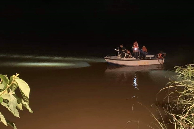 Xuyên đêm tìm thấy thi thể nữ sinh nhảy cầu tự tử