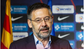 Đối đầu với Messi, Chủ tịch CLB Barca sắp bị 'phế' ngôi