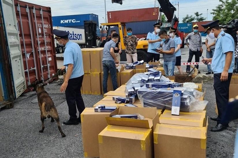 Đội Kiểm soát hải quan Hải Phòng phát hiện, bắt giữ được hơn 1 triệu bao thuốc lá 555 giả từ Campuchia về