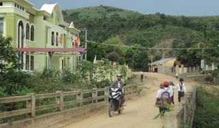 Phú Yên: Chủ tịch và kế toán xã 'rút ruột' hàng trăm triệu đồng công quỹ