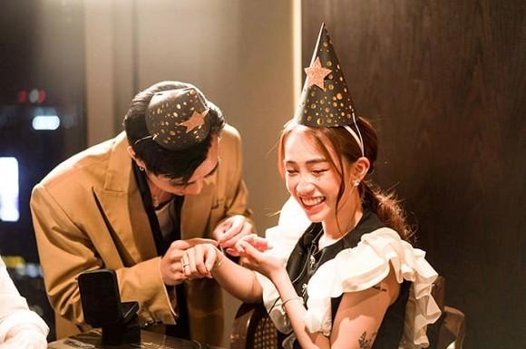 Trước nghi vấn hẹn hò Ngọc Thảo, Soobin Hoàng Sơn khẳng định vẫn đang độc thân