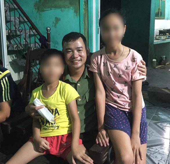 Người cha ôm con nhỏ tự tử bị khởi tố tội giết người