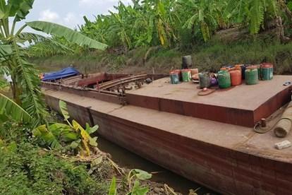 Khởi tố bị can các đối tượng trong vụ trộm cắp tàu 180 tấn