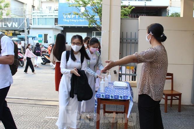 Đà Nẵng triển khai phòng, chống dịch Covid-19 nghiêm ngặt trong ngày học sinh trở lại trường. 3