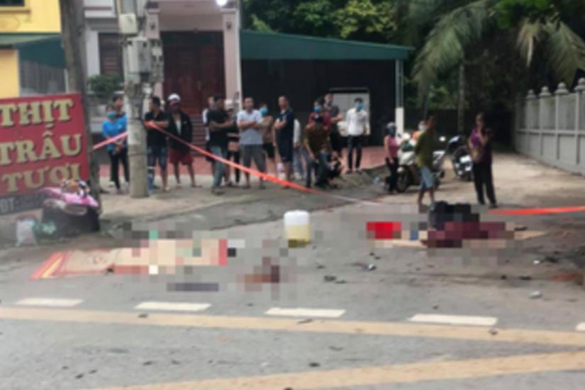 Ô tô va chạm mạnh với xe máy, 3 người tử vong tại chỗ