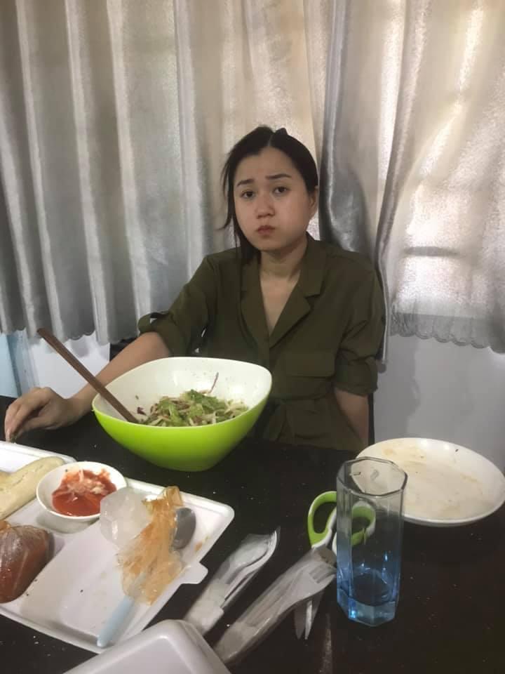 Hứa Minh Đạt đăng ảnh dìm hàng Lâm Vỹ Dạ