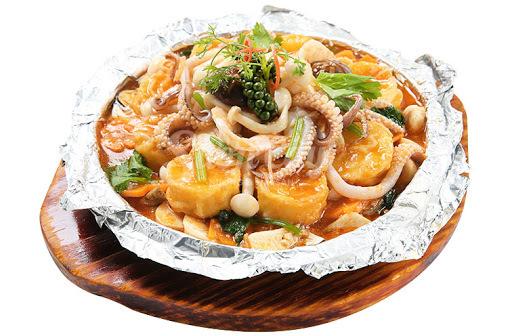 Trổ tài nấu món đậu hũ hải sản nướng giấy bạc siêu hót cho gia đình