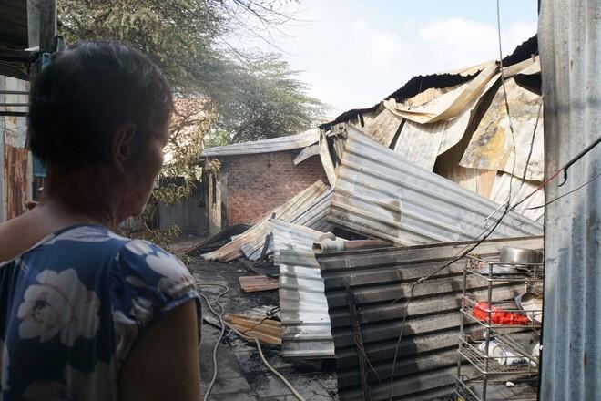 Dãy trọ ở TP HCM cháy ngùn ngụt sau tiếng nổ lớn