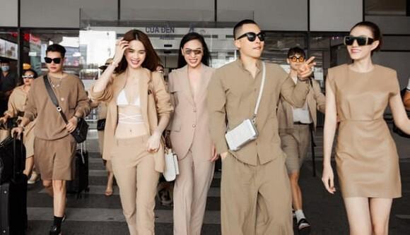 Bị chỉ trích vì không đeo khẩu trang ở sân bay, Vũ Khắc Tiệp giải thích