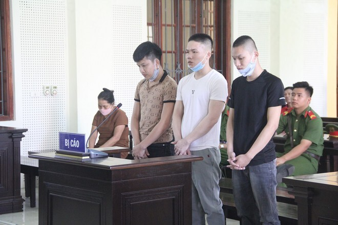 Phúc, Minh và Tuấn trong phiên xét xử