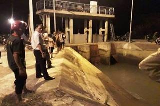 Chưa tìm thấy bé gái 6 tuổi ở Thanh Hóa rơi xuống kênh khi đi đón chị