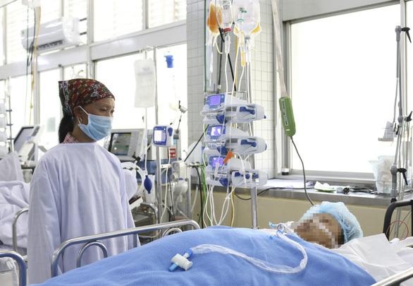 Nữ công nhân bị xuất huyết ồ ạt, dập nát nhiều cơ quan do tai nạn