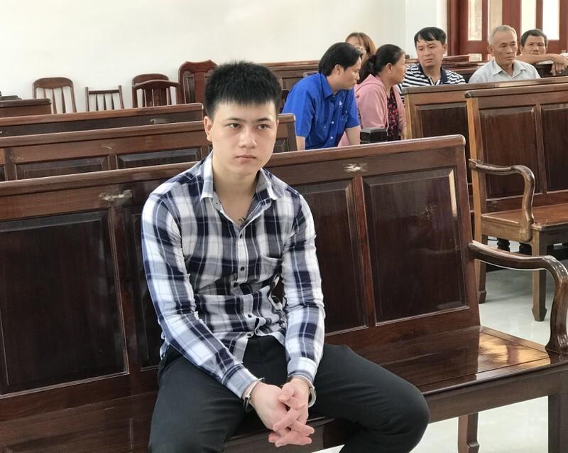 Bị cáo Phan Quang Linh tại tòa