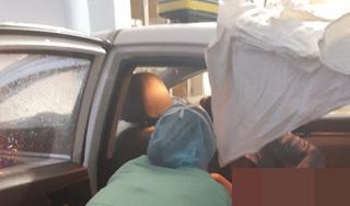 Sản phụ vượt cạn sinh con trên taxi giữa tâm bão số 5