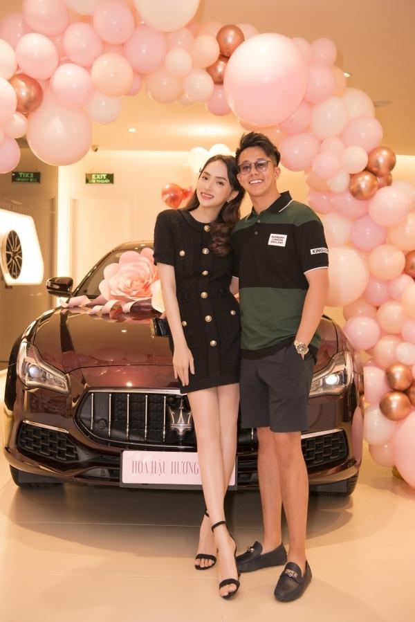 Matt Liu lần đầu công khai khóa môi Hương Giang trên MXH